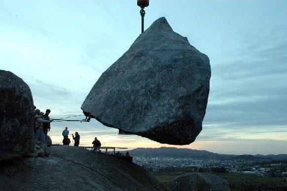Piedra-Movediza-de-Tandil-