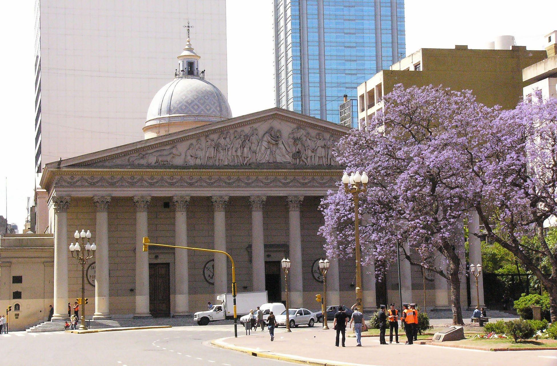 Plaza-de-Mayo-Buenos-Aires-5
