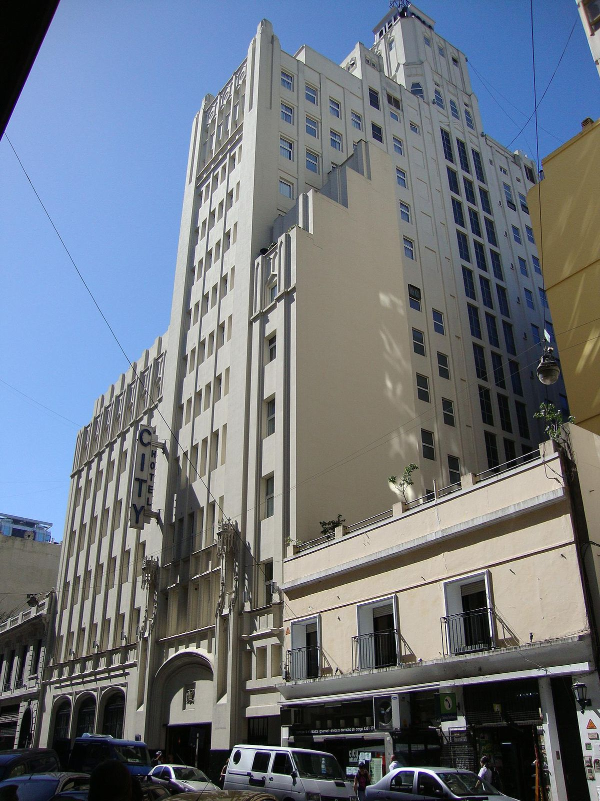 Plaza-de-Mayo-Buenos-Aires-11