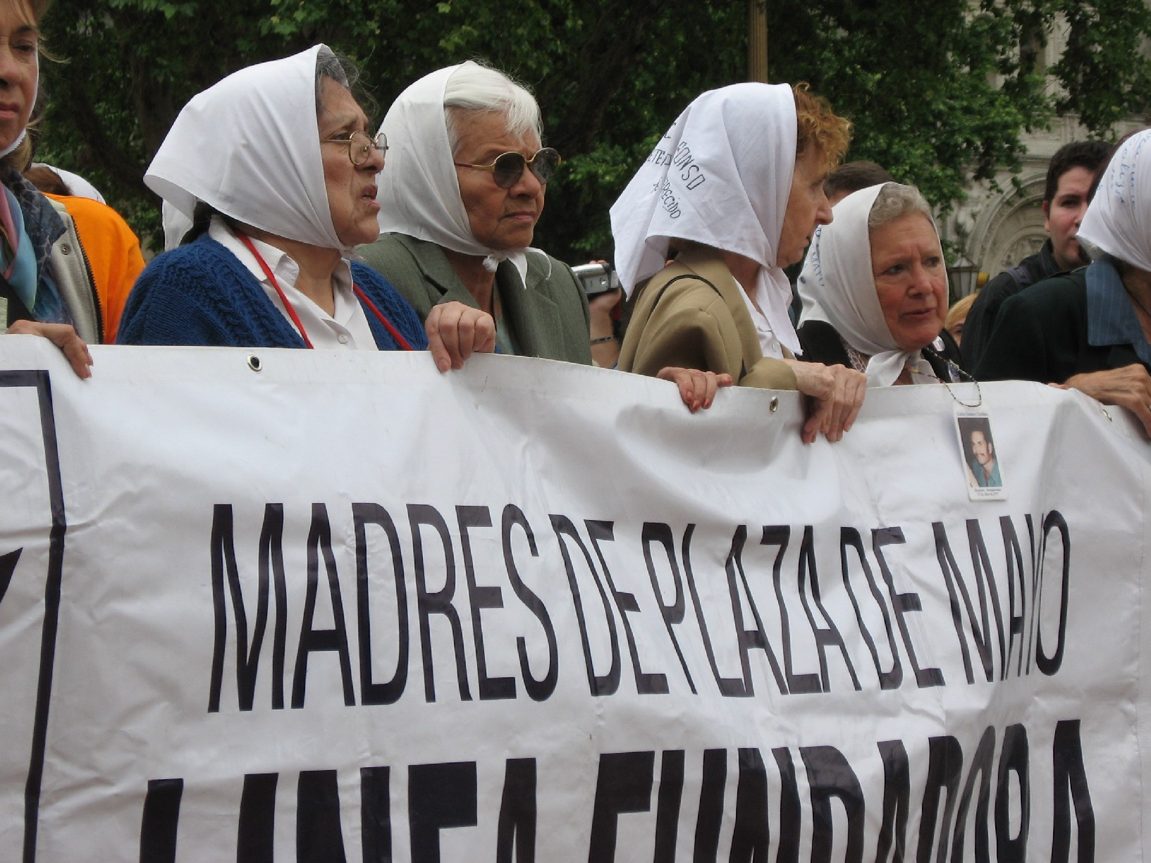 Plaza-de-Mayo-Buenos-Aires-7